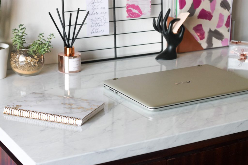 Give your desk a major upgrade with marble contact paper. Click to read the tutorial.